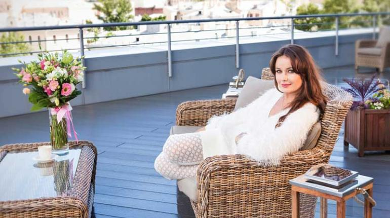 Оксана Фёдорова обустроила террасу в новой квартире